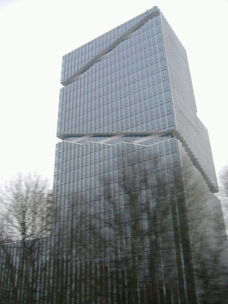 オランダ 異彩を放っ建物