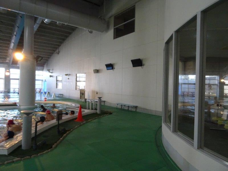 プールの換気対策での暖房
